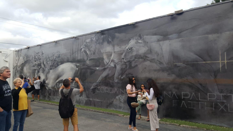 Wynwood Walls, Wynwood Walls Miami, Miami Art, Miami visuals, Miami murals, Miami US, girl at Wynwood Walls, Miami street art, staceessmoothie, stacee's smoothie, stacees smoothie, lions, charcoal painting