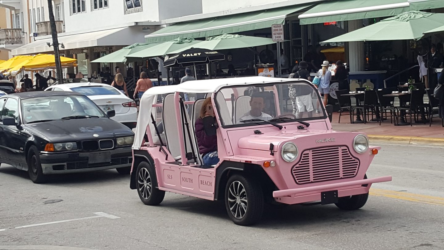 drive with style, staceessmoothie, stacees smoothie, stacee's smoothie, miami, miami beach, pink car, pink jeep, cute car, hot wheels, miami beach