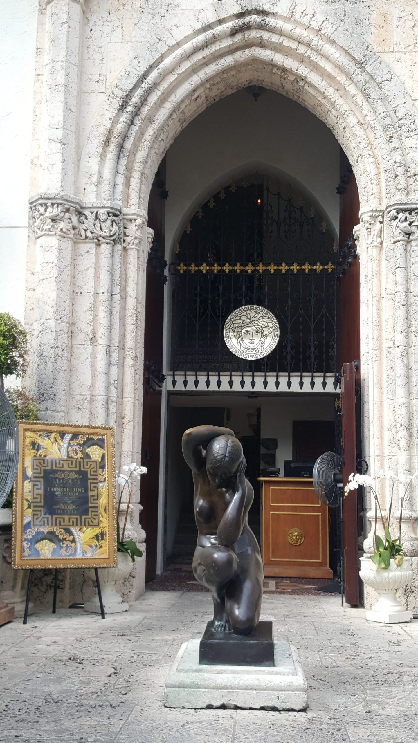 staceessmoothie, photo versace mansion, stacee's smoothie, stacees smoothie, versace, versace mansion, miami, versace miami, versace mansion miami