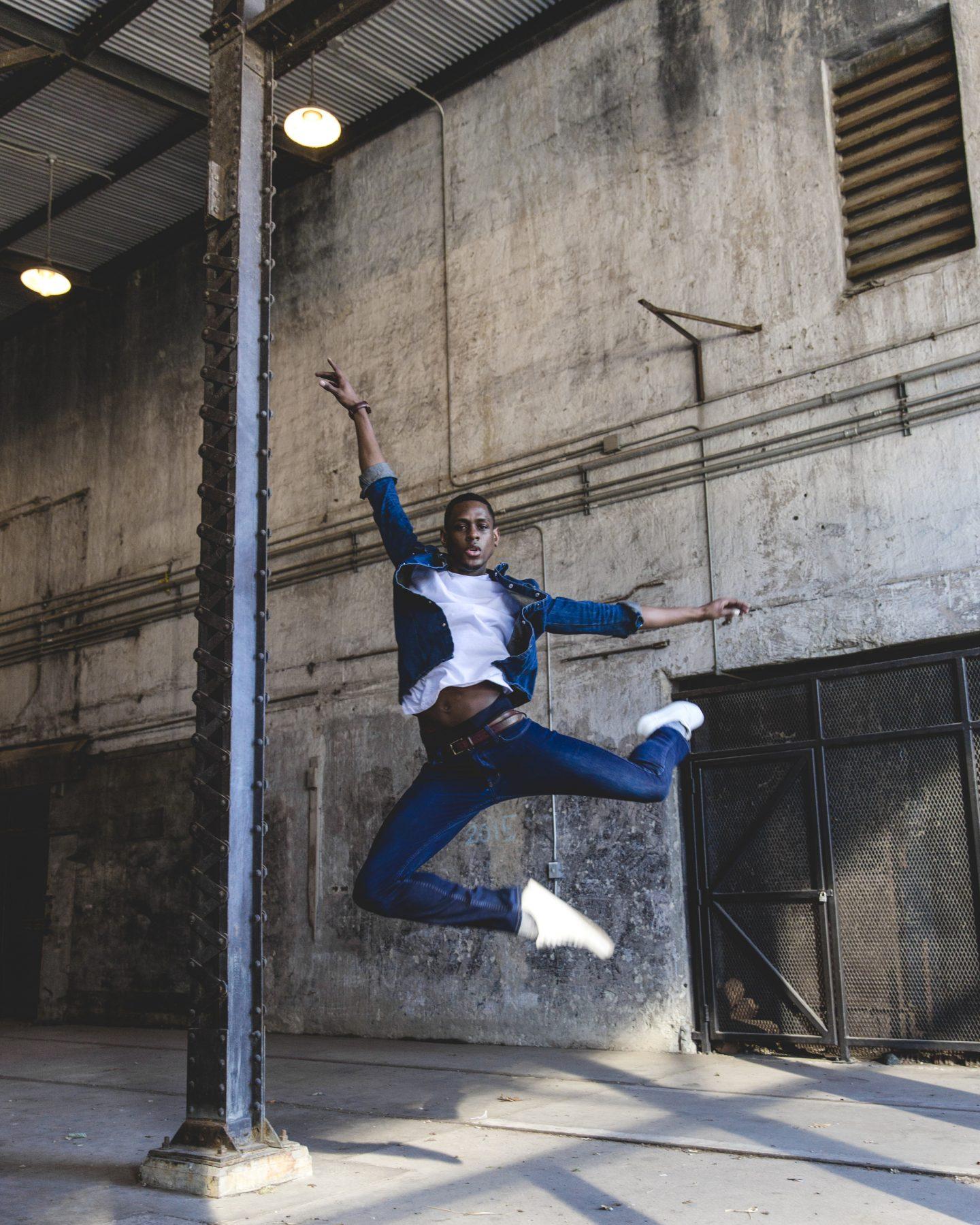 leap, jump, blog, blogger, writer, staceessmoothie, stacees smoothie, stacee's smoothie, black dancer, black man, broadway, broadway show, broadway dancer, black man, black dancer, black dancers matter, musical theater, musical theatre, theater, theatre, chorus boy, performing arts, darius barnes, broadway black, antonyo awards, inaugural antonyo awards, dance, showtime, show business, new york, new york new york, NYC, new york city, hottest chorus boy, hottest chorus boy in Broadway, hottest chorus boys in Broadway, 10 hottest chorus boys in Broadway, male dancer, black male dancer, black man dance, professional dancer